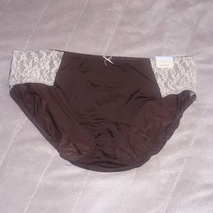 Cacique Intimates & Sleepwear - Brown & Cream Hipster Panties w/Lace NWT 14/16